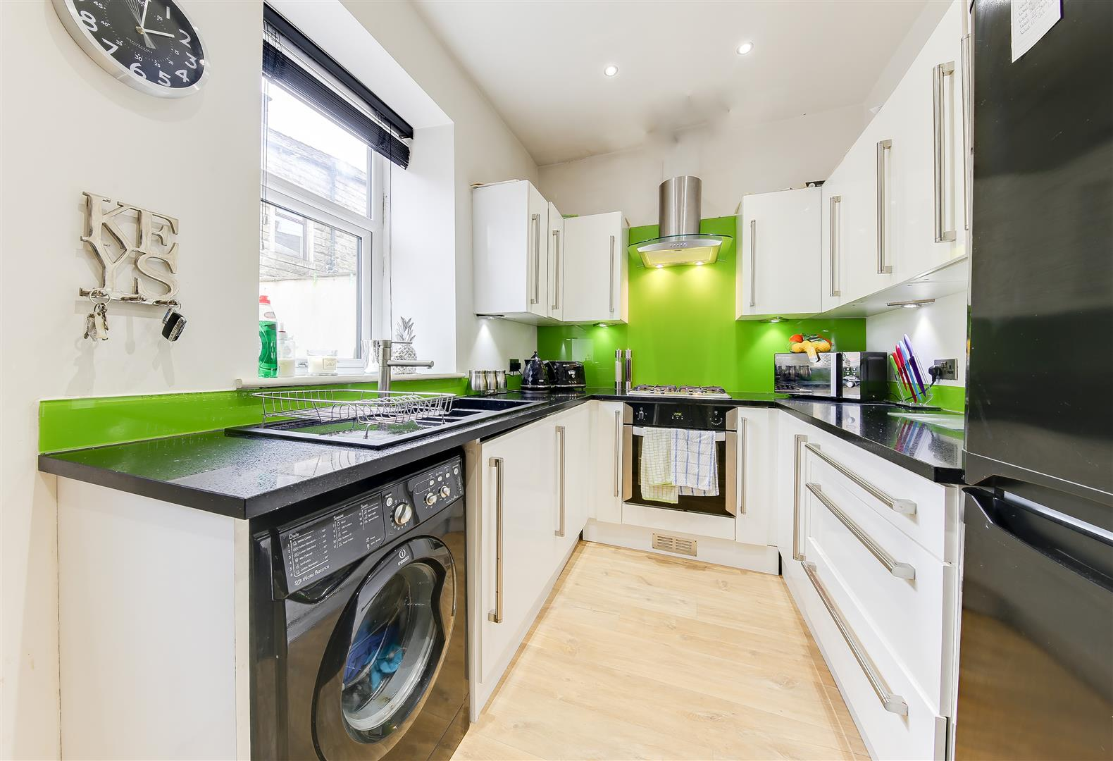 2 Bedrooms End Of Terrace House for sale in Shepherd Street, Bacup, Rossendale